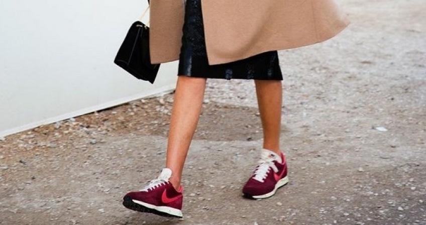 20 sublimes baskets bordeaux pour apporter une touche de couleur à votre tenue !
