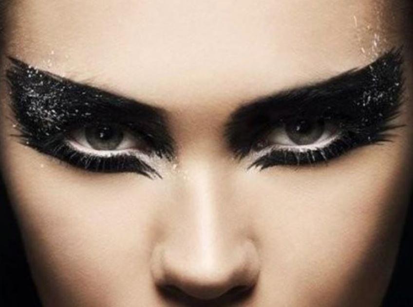 20 déclinaisons de smoky-eyes qui vont vous en mettre plein la vue !