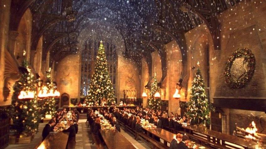 Alerte ! Venez déguster votre dîner de Noël dans la grande salle de Poudlard !