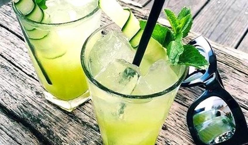 Découvrez le mojithé : la boisson qui allie vos deux passions : mojito et thé !