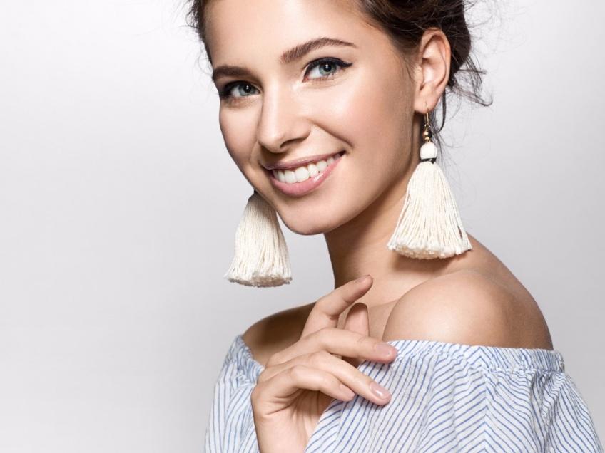 30 magnifiques paires de boucles d'oreilles à pompons pour parfaire toutes vos tenues !