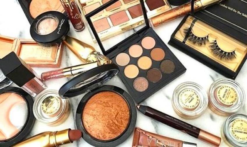 ALERTE : Vous pouvez désormais devenir Testeuse de maquillage !