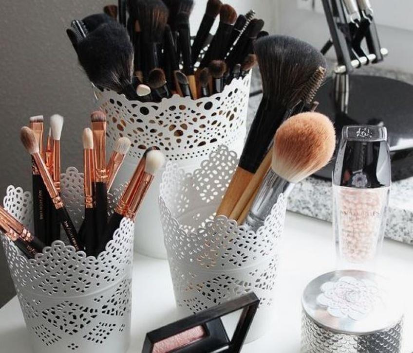 Le guide des pinceaux de maquillage pour le visage