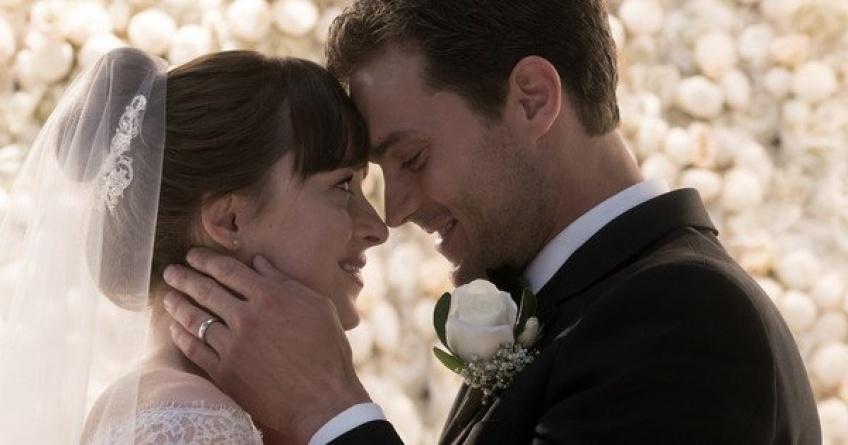 Découvrez la première danse d'Anastasia et Christian Grey dans 50 nuances plus claires !