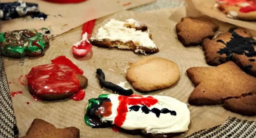 Blake Lively trolle son mari Ryan Reynolds pour ses sablés de Noël ratés !