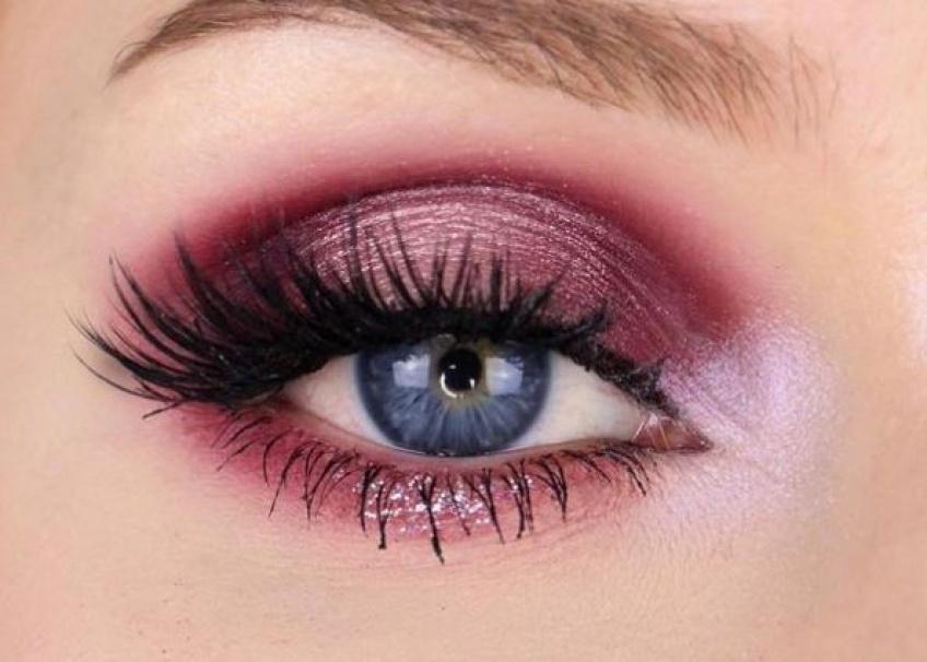 Osez le rose, la tendance make-up qui revient en force !