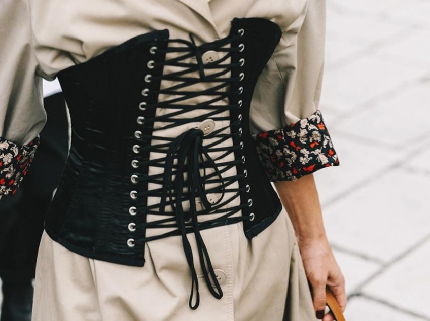 Ceinture corset : la tendance qui affine la taille illico !