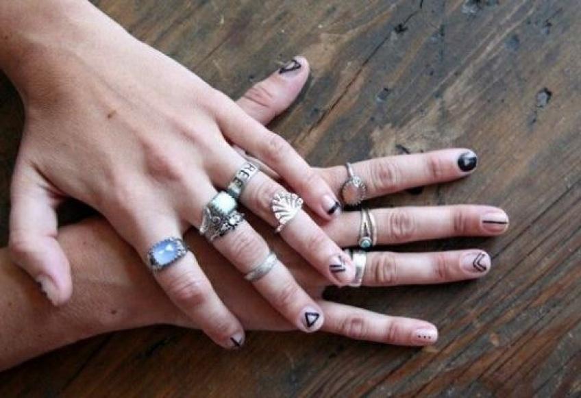 Se faire tatouer les ongles ? Oui, c'est désormais possible en 2018
