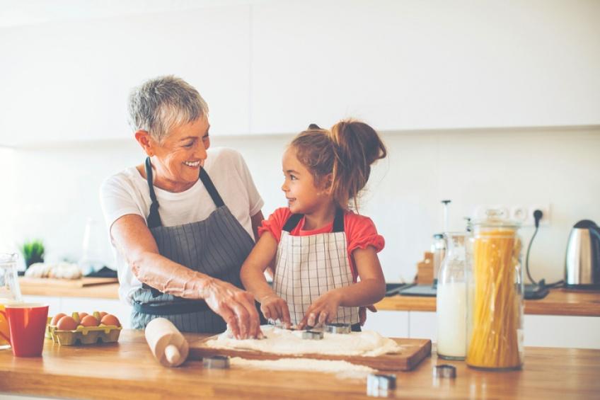 Les grands-parents qui baby-sittent vivraient plus longtemps