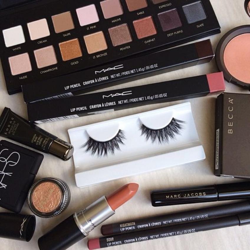 Les 10 produits indispensables de l'accro au make-up