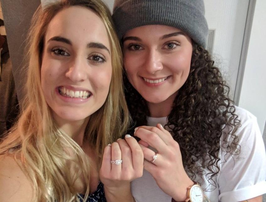 Instant Cute : Ce couple s'est mutuellement demandé en mariage en même temps !