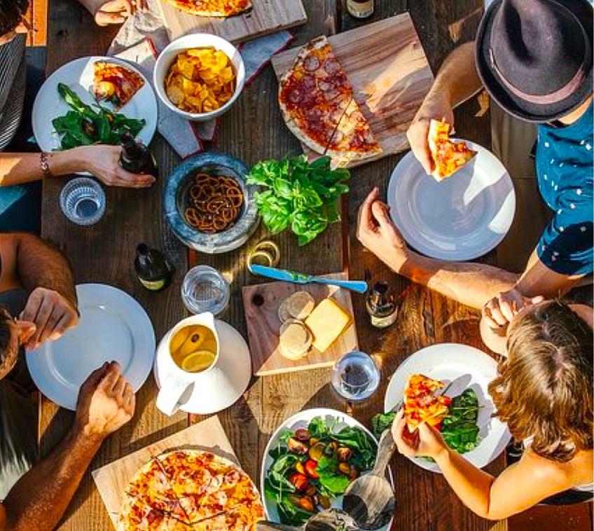 Cuisiner pour son entourage rendrait plus heureux !