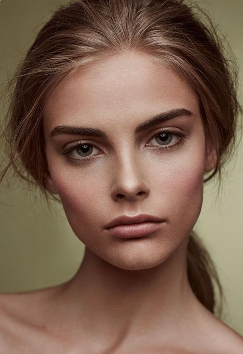 10 actions du quotidien, à bannir et à changer, qui donnent un coup de vieux à votre peau