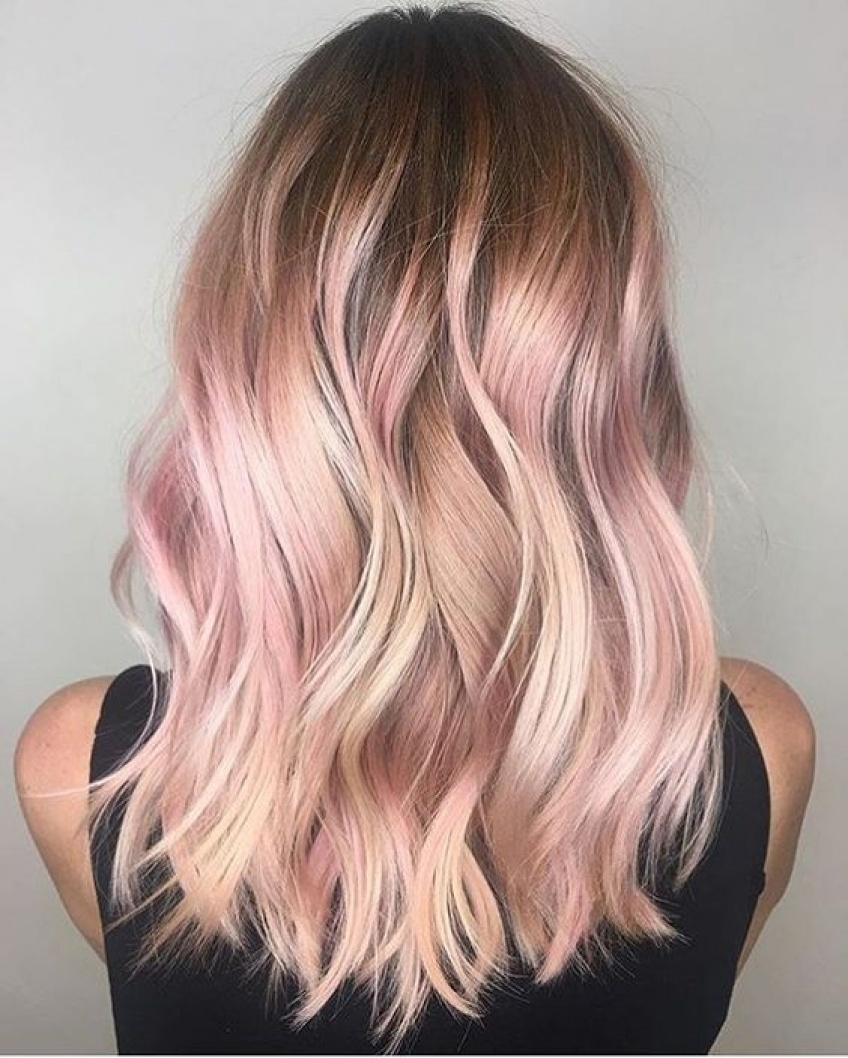 17 inspirations qui vont vous donner envie d'essayer la coloration rose gold