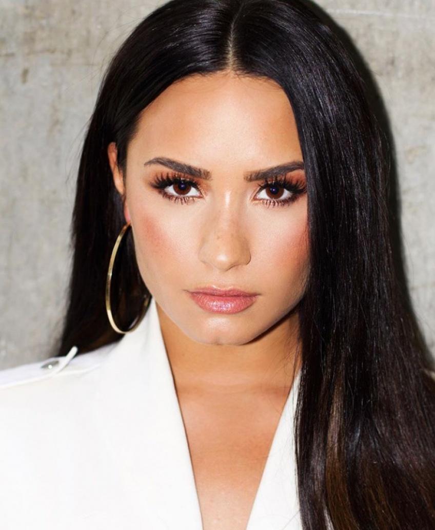Demi Lovato se révèle au naturel dans une vidéo pour Vogue US