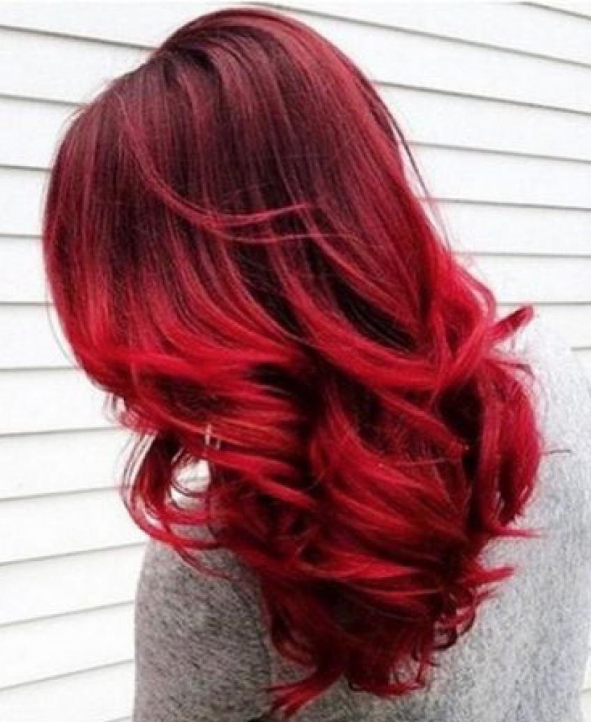 Les meilleures nuances de rouge qui devraient vous donner envie de prendre RDV chez le coiffeur ASAP