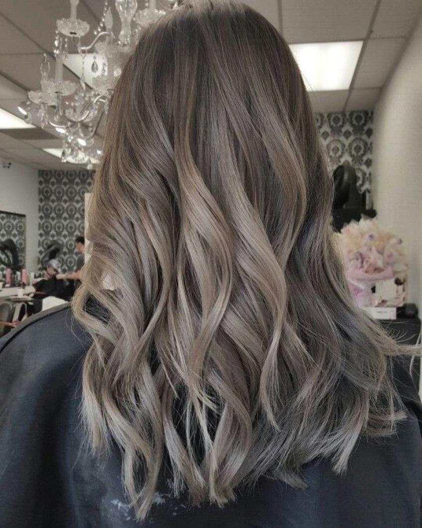 20 inspirations qui donnent envie de passer à la coloration Ash Brown Hair
