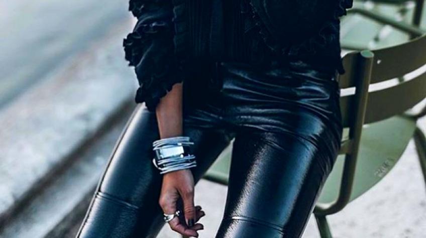 Le pantalon en cuir, l'indispensable pour être stylée sous la pluie !