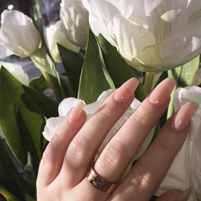 Une nail artist prouve que les vernis-gel à répétition sont vraiment mauvais !