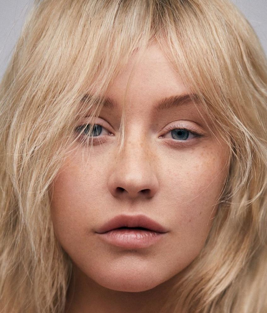 Christina Aguilera se dévoile sans maquillage pour le magazine Paper