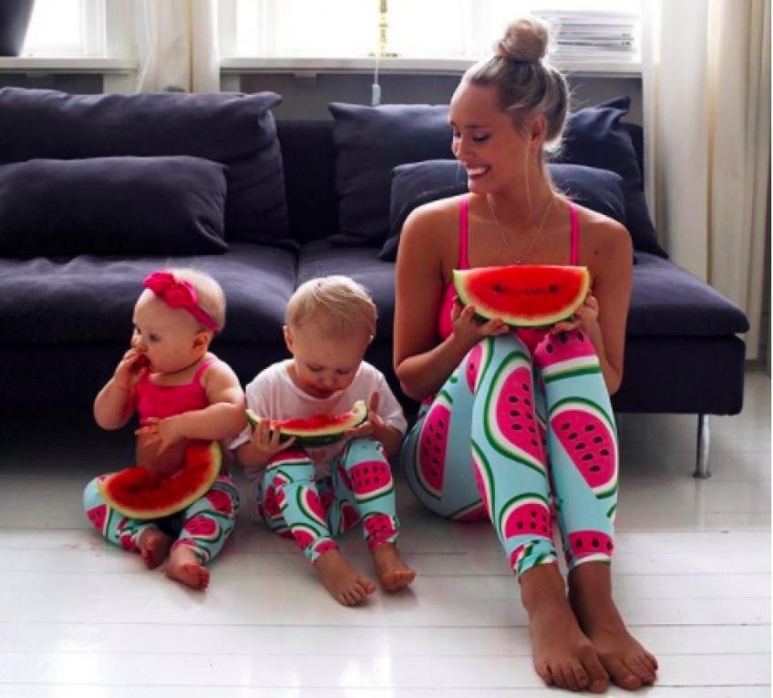 Elle habille ses enfants avec des fruits et les met sur instagram !