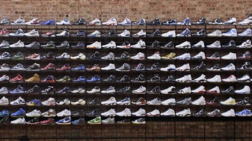 ALERTE : Des sneakers seront exposées et mises en vente au Louvre !