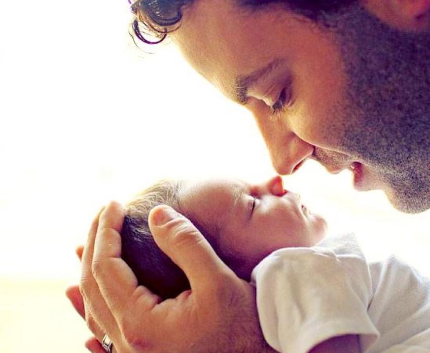 Selon une étude, si votre bébé ressemble à son papa, il sera en bonne santé !