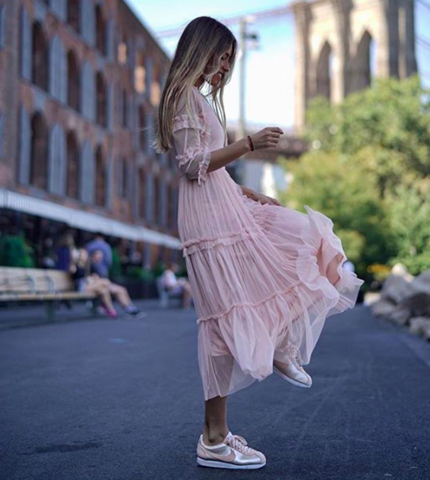 Les robes parfaites qu'on va vouloir porter jusqu'au début de l'été !