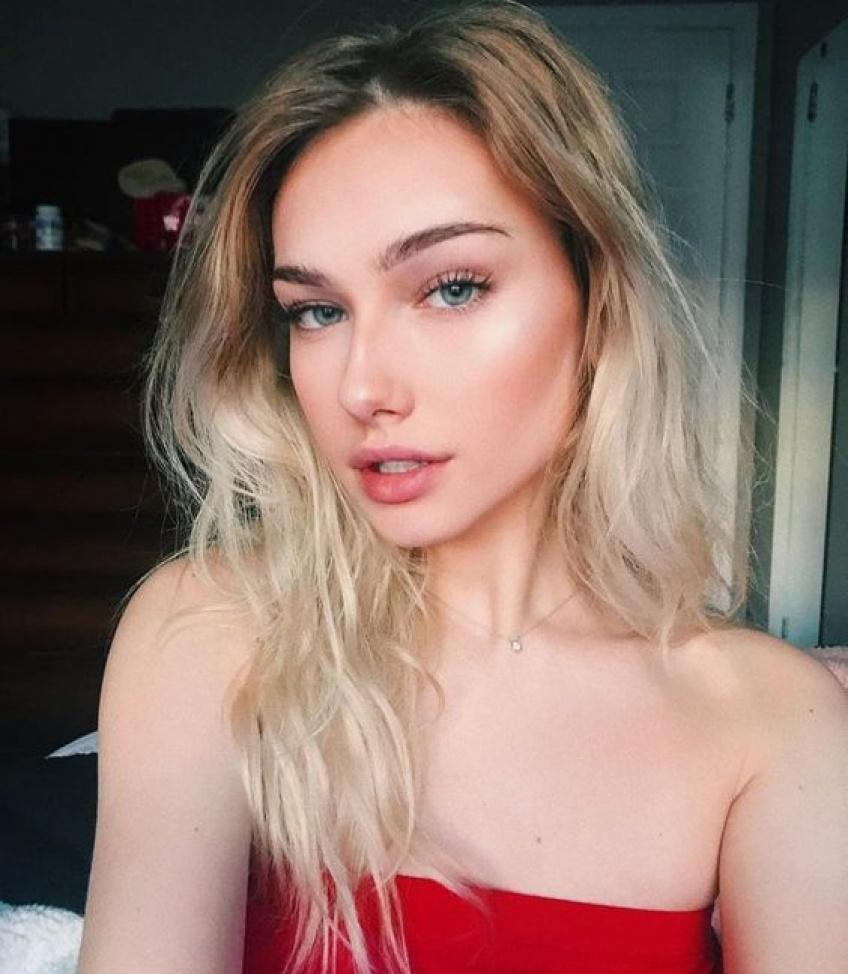 Hailey Wait, l'influenceuse qui assume son acné et prône la Skin Positivity !