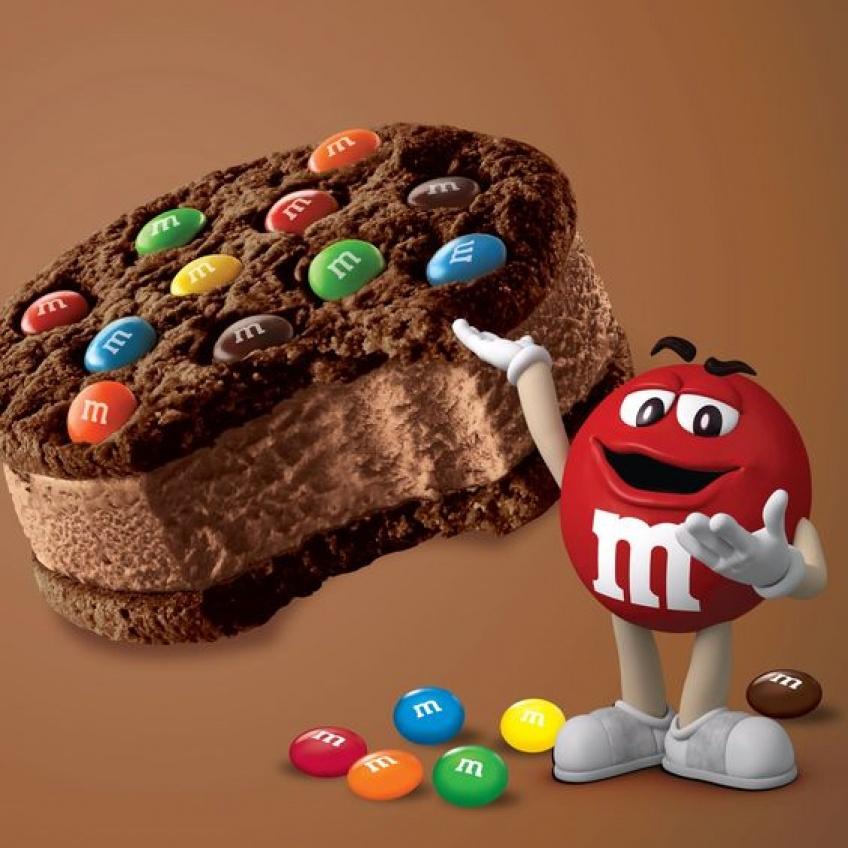 ALERTE : M&M's vient de dévoiler son nouveau sandwich glacé !