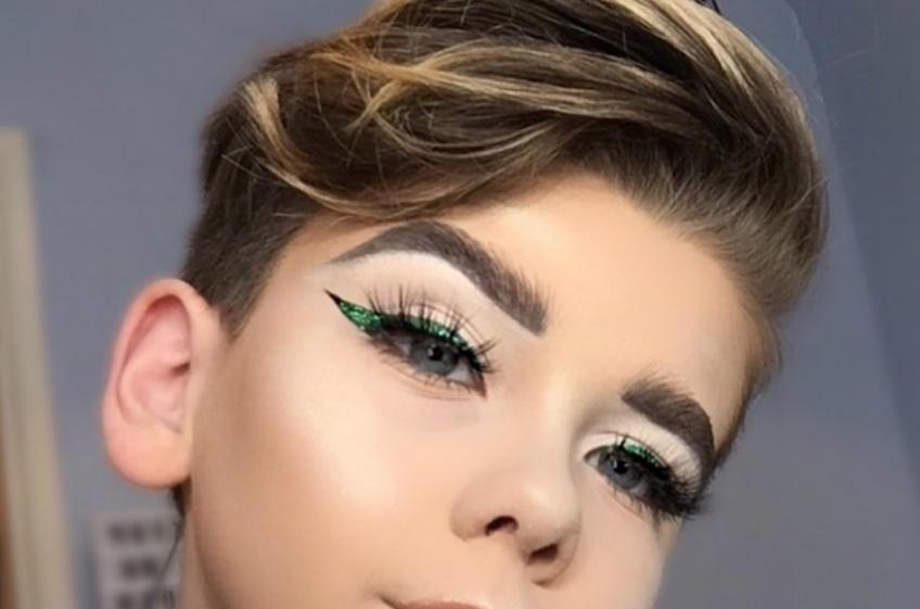 Ce petit garçon a beaucoup de conseils à donner en matière de make-up !