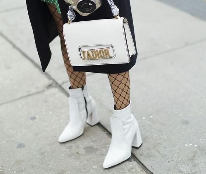 Les chaussures blanches les plus tendance qui vont illuminer vos gambettes !