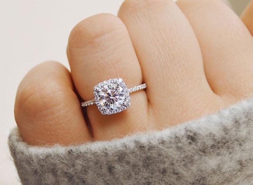 Quelle bague de fiançailles est faite pour vous selon votre signe astro ?