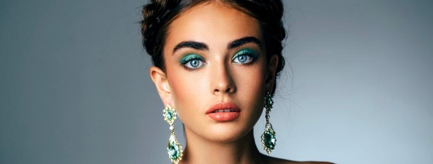 20 sublimes idées de make-up à assortir aux yeux bleus