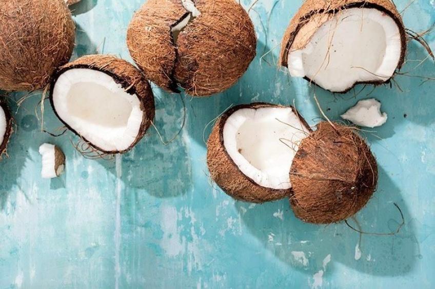 L'huile de coco, le produit incontestable à incorporer dans nos préparations DIY