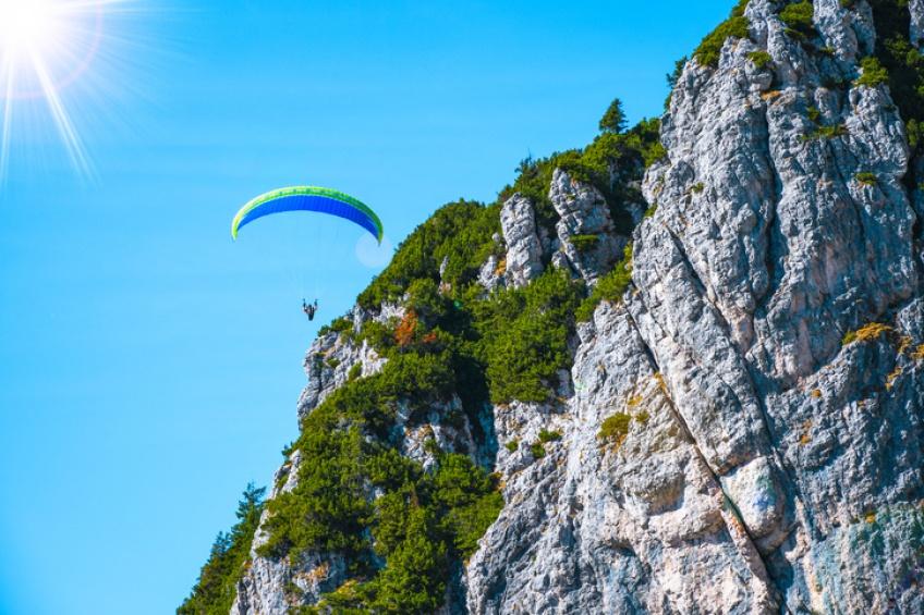 À 92 ans, elle se paye un saut en parachute pour son anniversaire !