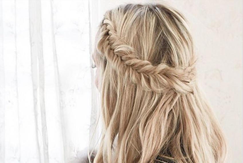 La tresse épi, le détail qui égaye nos coiffures