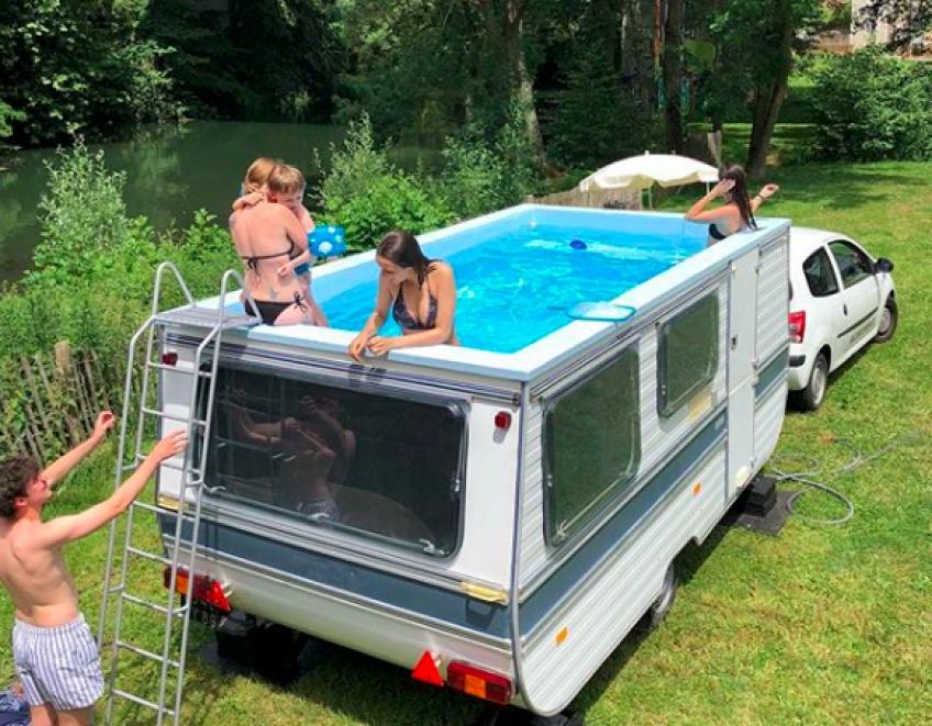 La piscine-caravane parfaite pour nager dans le bonheur tout l'été