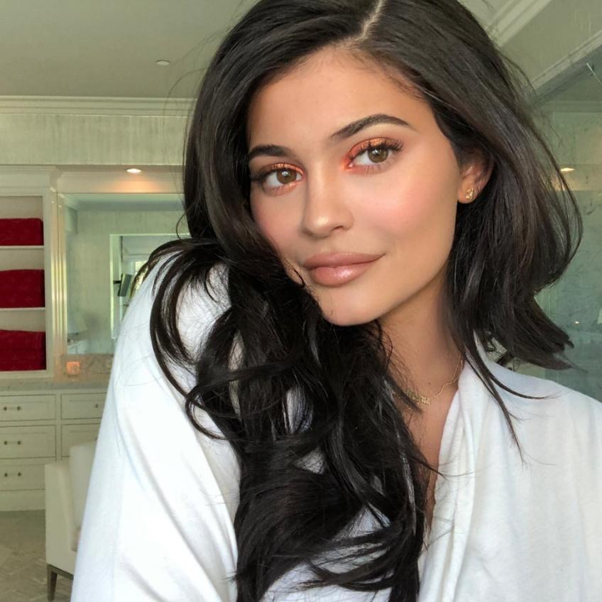 Kylie Jenner dévoile sa routine beauté dans une vidéo