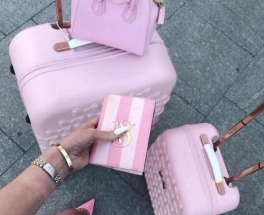 Quels sont les produits indispensables à mettre dans sa valise cet été?