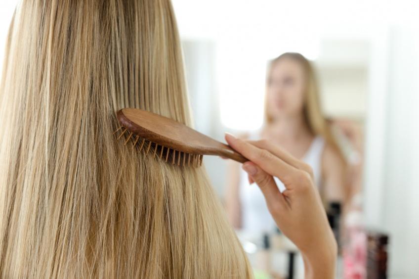 Comment éviter toutes les erreurs qui ruinent nos cheveux ?