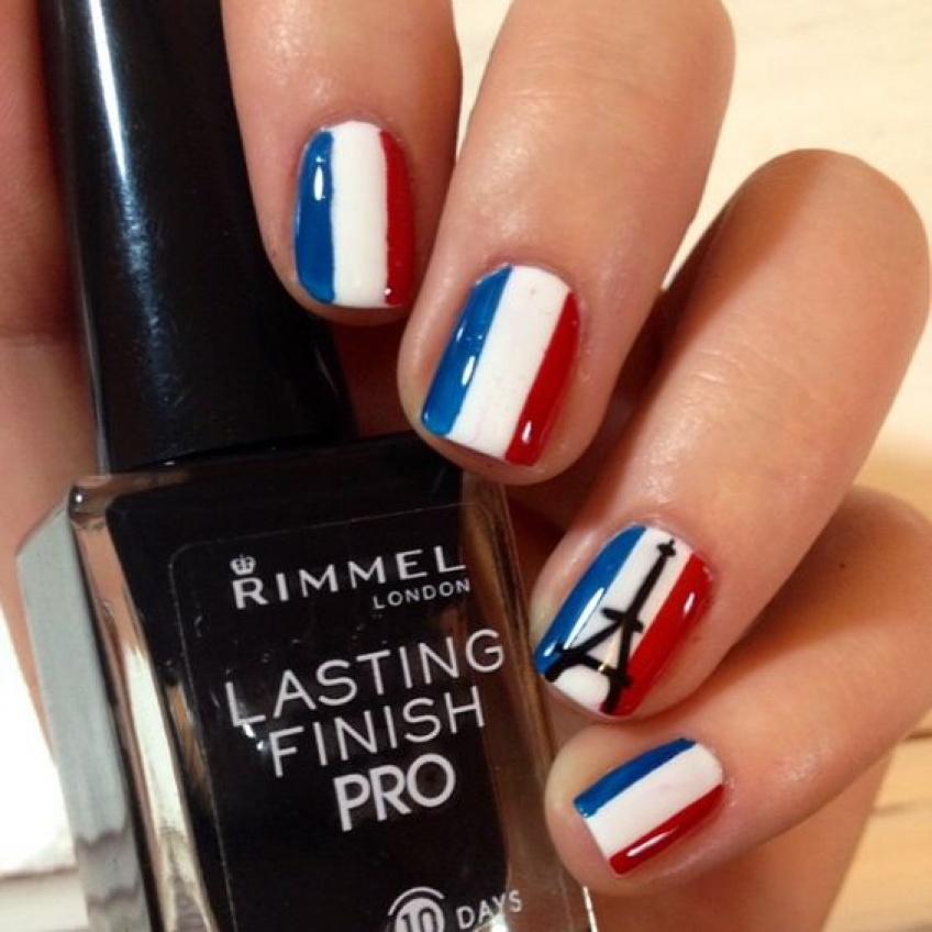 20 manucures aux couleurs de la France pour soutenir l'équipe française féminine !