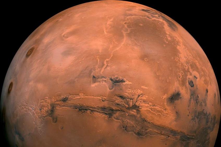 Un lac d'eau liquide a été découvert sur la planète Mars !