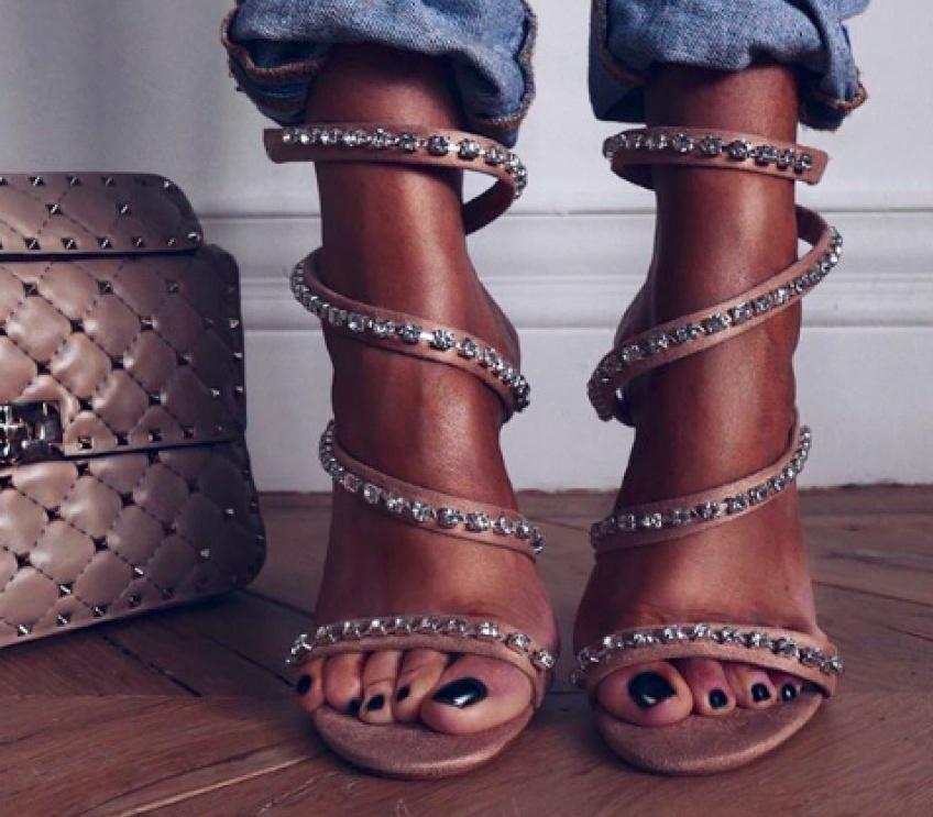 #shoesday : Les chaussures à ornements les plus jolies pour faire pétiller vos pieds !