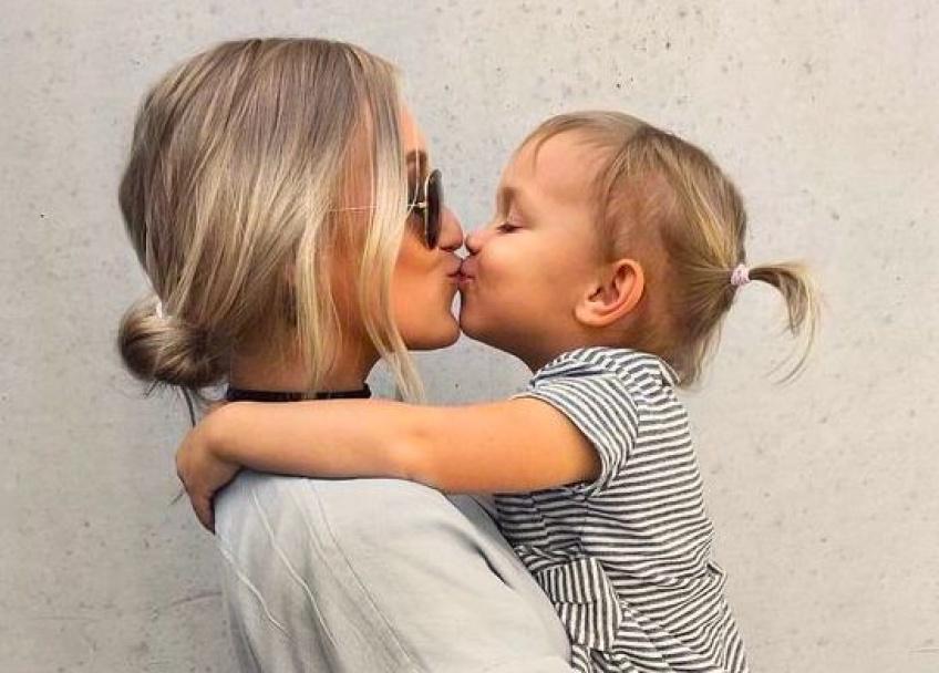 Une mère et sa fille dépensent plus de 56 000 euros pour ressembler à une mannequin !