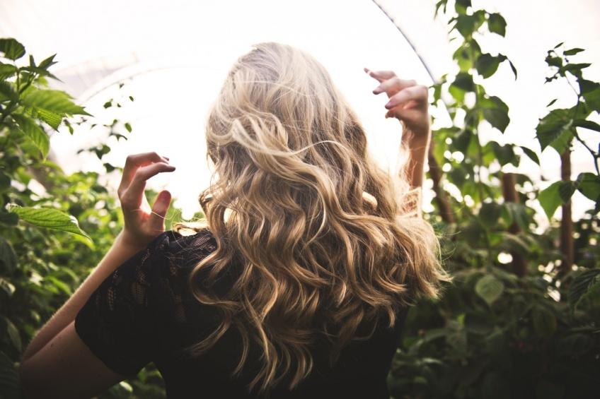 Cheveux irritations pellicules