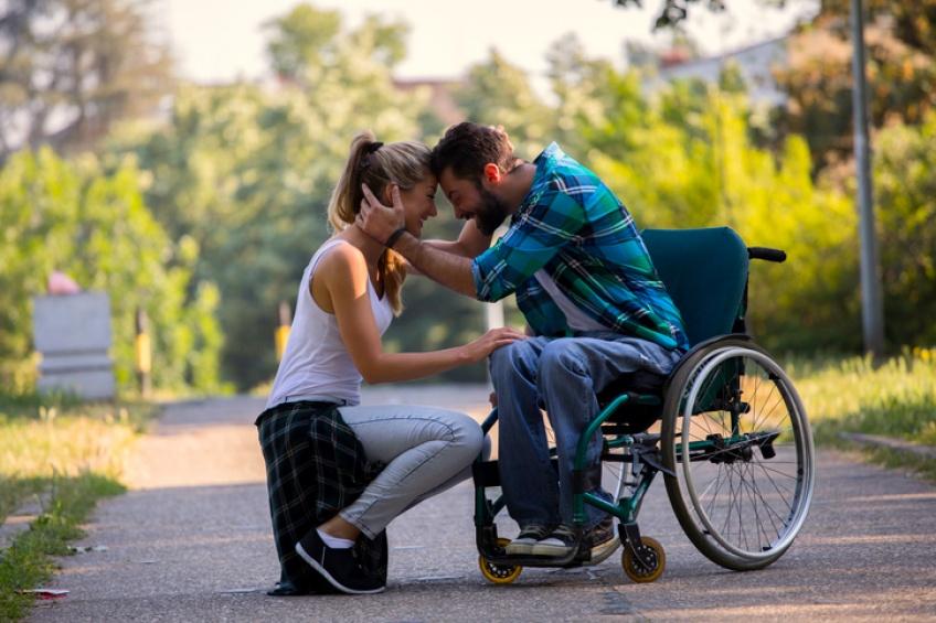 Un jeune américain paraplégique remarche aux États-Unis !
