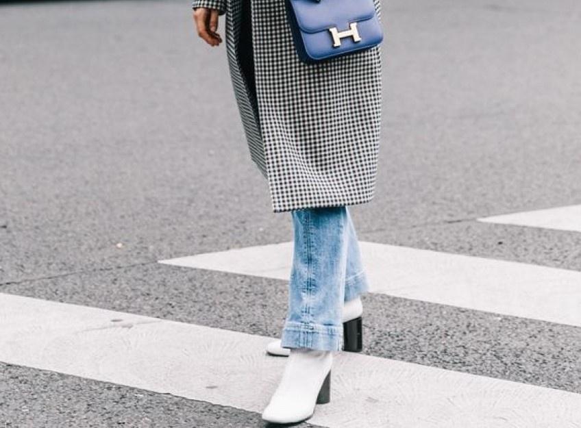 Troquez vos baskets blanches contre des bottines blanches pour un look plus pointu