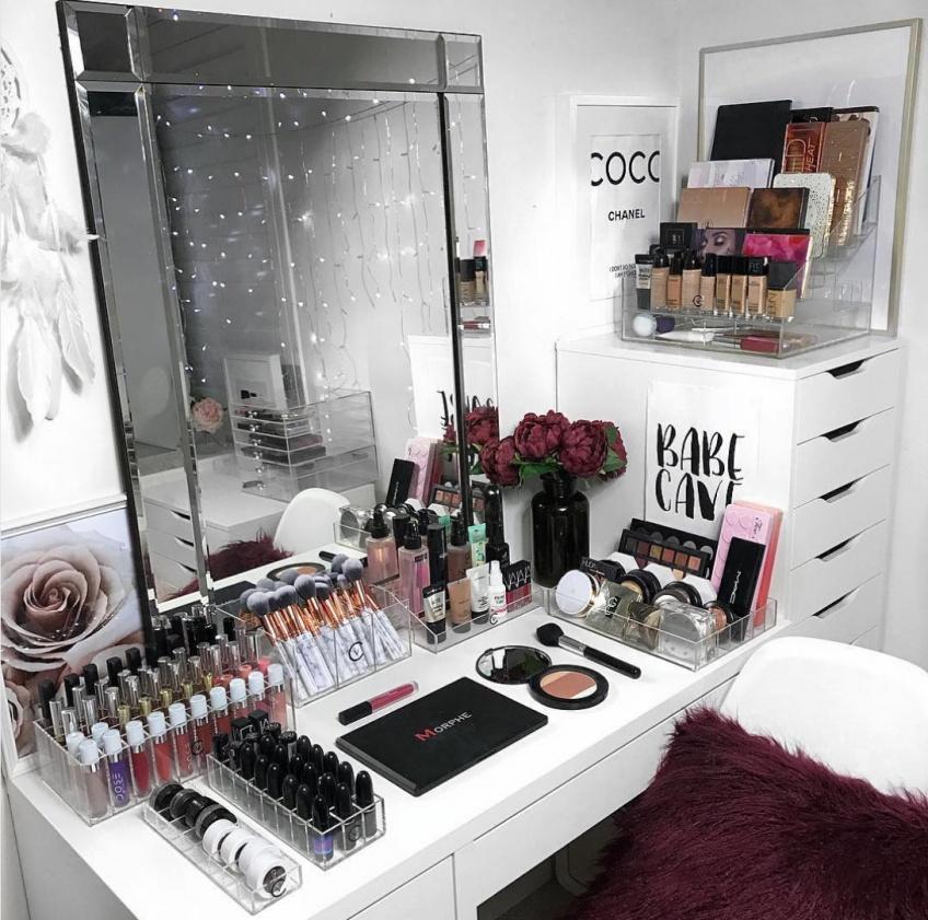 Comment organiser son maquillage pour une salle de bain parfaite ?