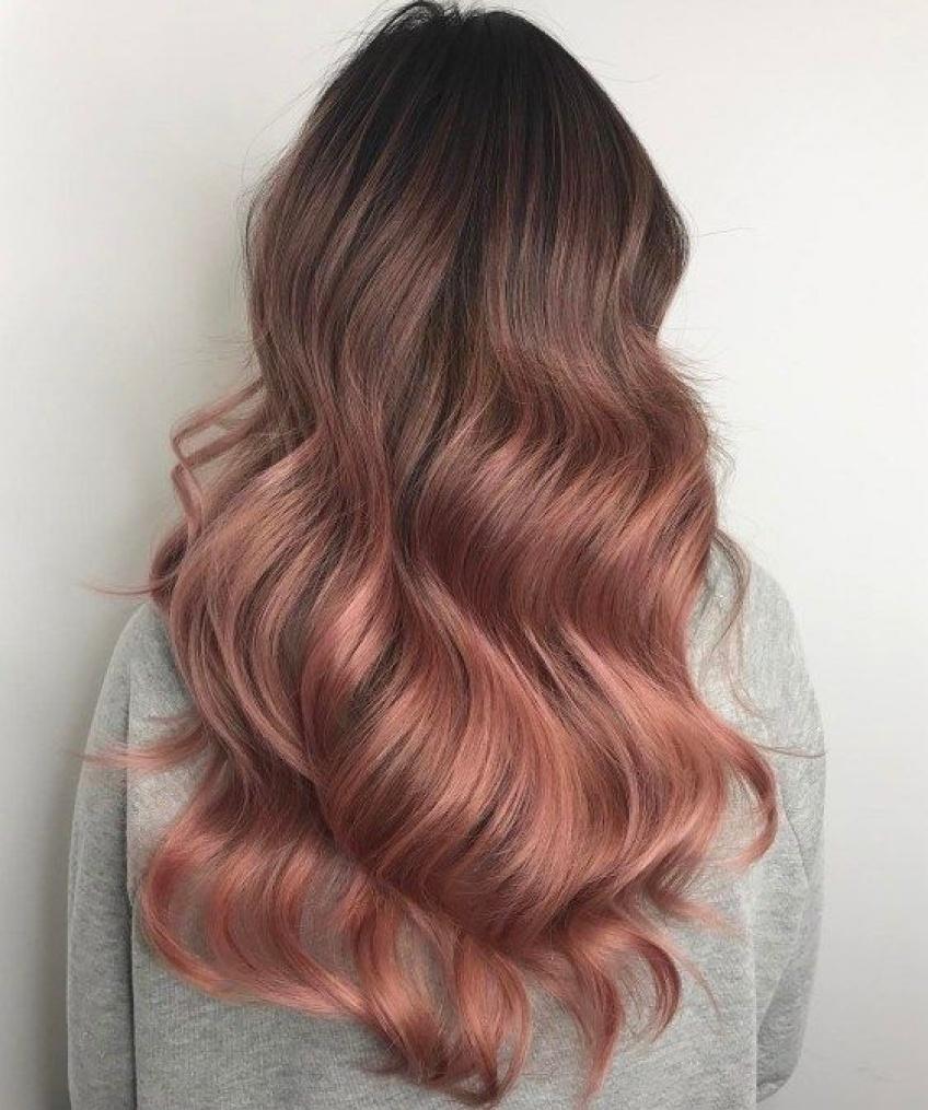 Rose gold cheveux : la coloration idéale pour cet automne
